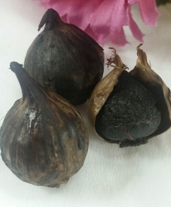 Bawang putih hitam (Black gralik) dan Daun insulin
